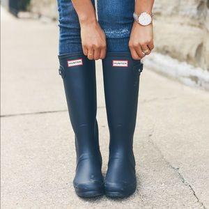 Women's Original Tall Matte Hunter Boots in Navy